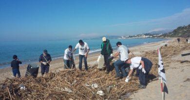 Ambiente, giornata ecologica a Borgo Bonsignore contro la plastica in spiaggia
