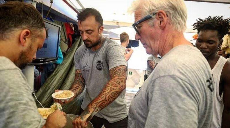 Open Arms, chef Rubio: fate attraccare nave subito