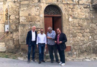 Cultura, il ministro Provenzano visita la casa di Sciascia a Racalmuto