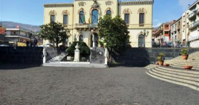 Etna, dalla Regione altri due milioni per i Comuni colpiti dalla cenere